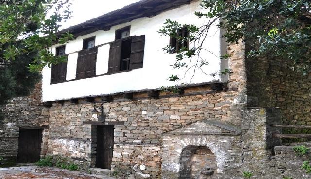 Αποκατάσταση του σχολείου του Ρήγα