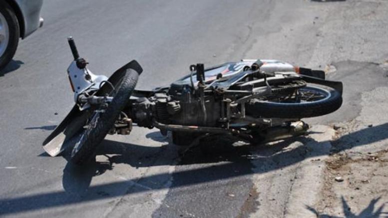 Νεκρός 43χρονος οδηγός μηχανής, τραυματίστηκε ο γιος του