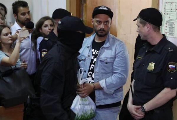 Ρωσία: Σε κατ' οίκον περιορισμό ο σκηνοθέτης Κιρίλ Σερεμπρένικοφ