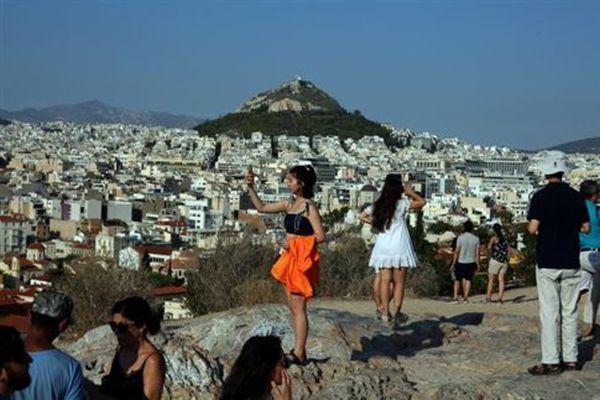Ρεκόρ όλων των εποχών στις αφίξεις τουριστών καταγράφει η Αθήνα