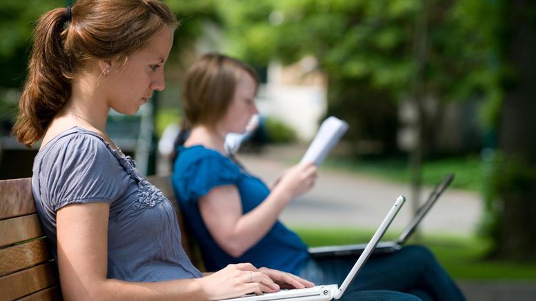 Μηνιαία επιδότηση για το internet σε πρωτοετείς φοιτητές