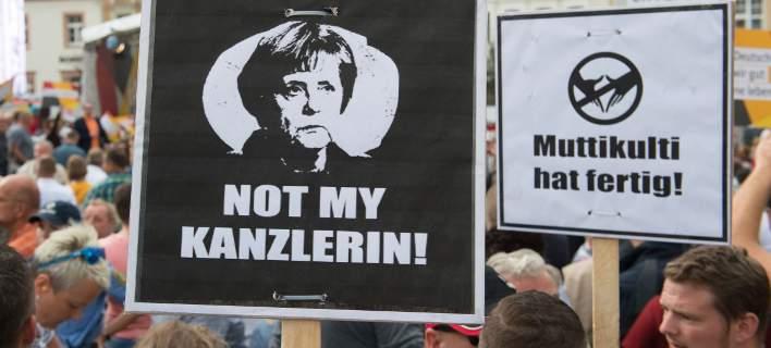 Γερμανία: Η ακροδεξιά ανεβαίνει στις δημοσκοπήσεις. Τρίτο κόμμα η AfD