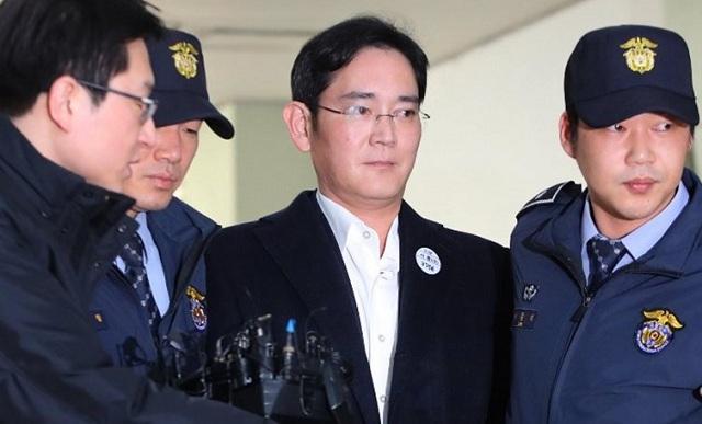 Σε 5 χρόνια φυλάκιση καταδικάστηκε ο κληρονόμος της εταιρείας Samsung