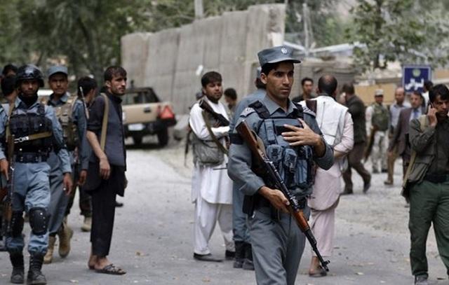 Βομβιστική επίθεση σε τέμενος στην Καμπούλ