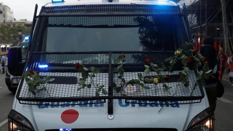 Mαζική πορεία ενότητας κατά της τρομοκρατίας στη Βαρκελώνη [φωτό]