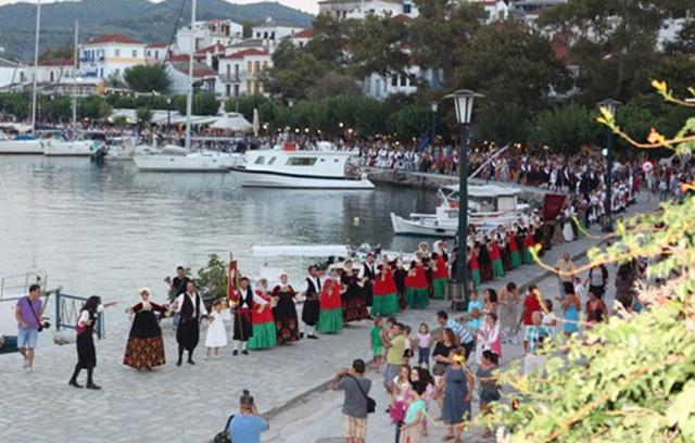 Πλήθος επισκεπτών στη Σκόπελο