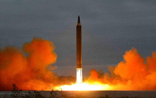 ΟΗΕ: Ομόφωνη καταδίκη χωρίς νέες κυρώσεις μετά την εκτόξευση πυραύλου από τη Β.Κορέα