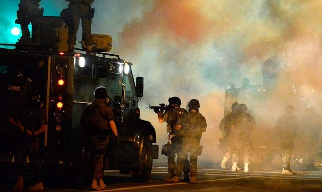 Στρατιωτικοποιείται η αστυνομία των ΗΠΑ