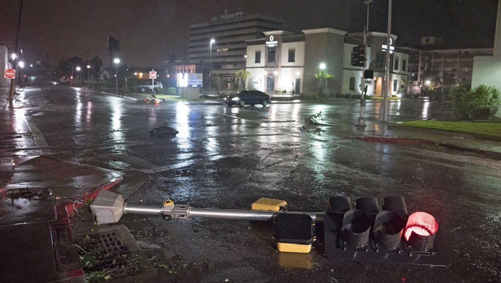 H Βενεζουέλα Προσφέρει οικονομική βοήθεια στα θύματα της τροπικής καταιγίδας Χάρβεϊ