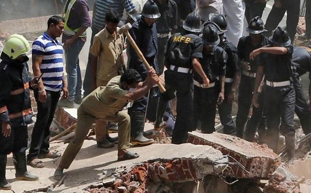 Ινδία: Στους 33 οι νεκροί από την κατάρρευση τετραώροφου κτηρίου στη Βομβάη