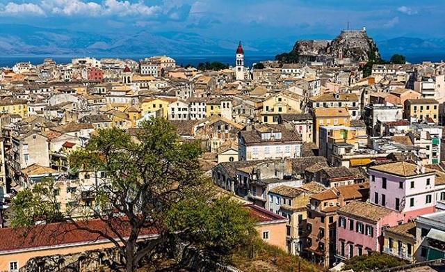 Νούμερο ένα προορισμός η Ελλάδα για τους Πολωνούς τουρίστες