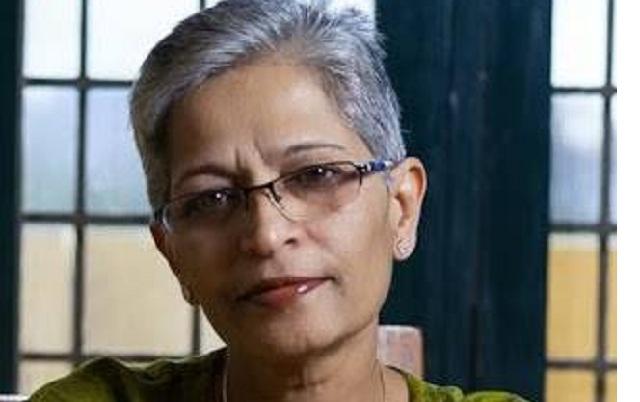 Καρτέρι θανάτου: Δημοσιογράφος εκτελέστηκε έξω από το σπίτι της