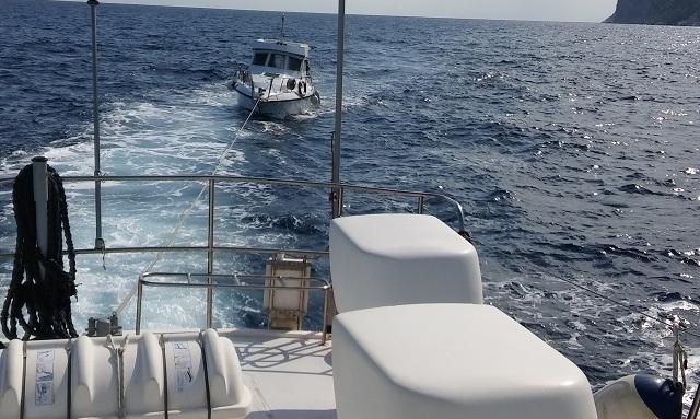 Ακυβέρνητο έμεινε σκάφος αναψυχής στη Σκόπελο