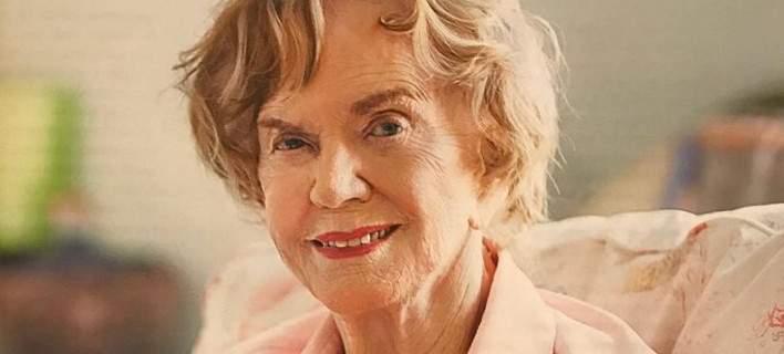 Η Μαργαρίτα Παπανδρέου στα 95 της φωτογραφίζεται για περιοδικό και μιλά για το Ανδρέα