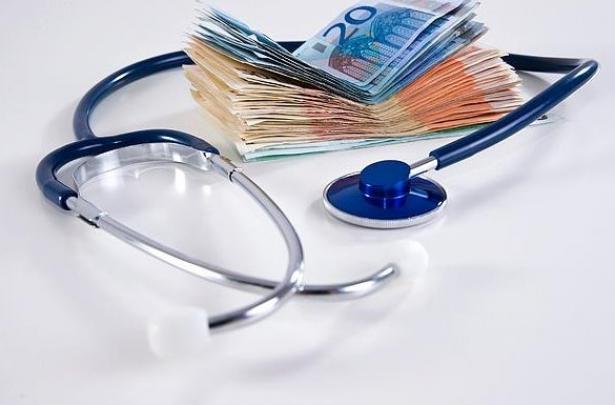 Γιατρός πληρωνόταν κανονικά επί 8 χρόνια χωρίς να εργάζεται