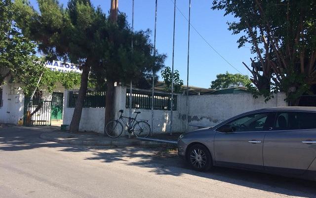 Δολιοφθορές και κλοπές σε δημοτικά κτίρια του Βόλου