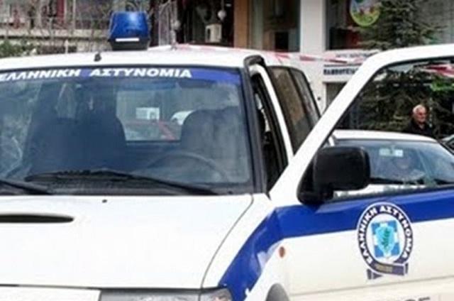 Αλλοδαπός τραυμάτισε με μαχαίρι δύο αστυνομικούς