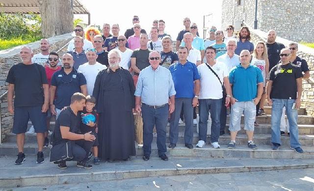Η ποδοσφαιρική ομάδα της Αστυνομικής Διεύθυνσης Λάρνακας Κύπρου στο Βελεστίνο