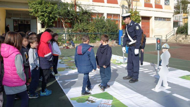Ερχεται ο αστυνομικός των σχολείων. Το σχέδιο της ΕΛΑΣ