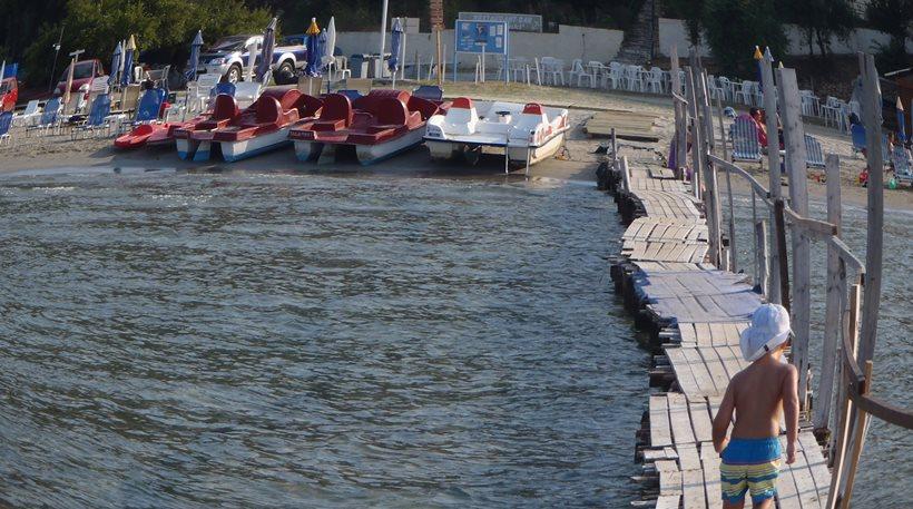 Αφαιρέθηκαν Γαλάζιες Σημαίες από 19 ελληνικές ακτές