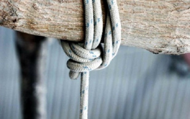 51χρονος βρέθηκε απαγχονισμένος στο κτήμα του