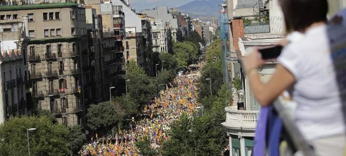 Καταλονία: 260 δήμοι δεν έχουν αποφασίσει αν στηρίζουν το δημοψήφισμα