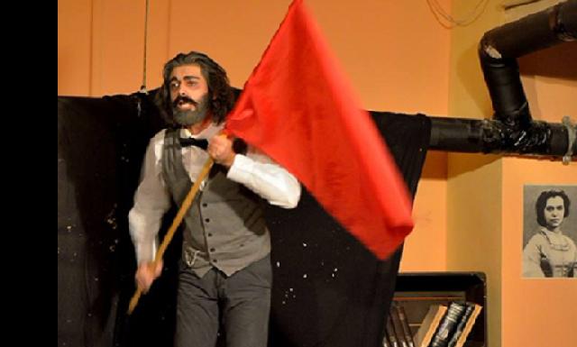 Θεατρική παράσταση «O Mαρξ στο Σόχο»