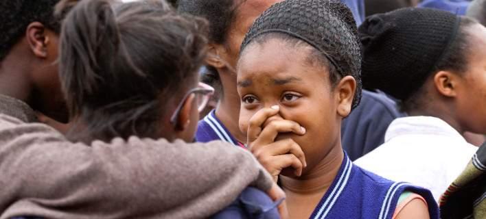 Κένυα: Ποινική δίωξη σε 14χρονη. Κατηγορείται ότι πυρπόλησε το σχολείο & σκοτώθηκαν 9 μαθητές
