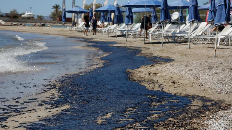 Οργή και ερωτήματα για την πρωτοφανή οικολογική καταστροφή