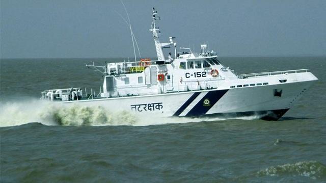 Τουλάχιστον 15 νεκροί από την βύθιση πλοίου στην Ινδία