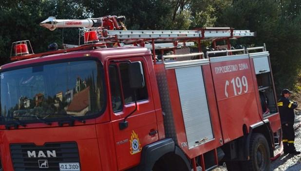 Ζημιές από πυρκαγιά σε αποθήκη στις Εργατικές Κατοικίες Λάρισας