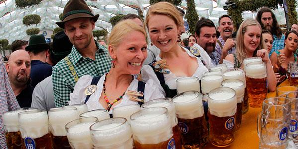 Oktoberfest -H μεγαλύτερη παραδοσιακή γιορτή της Γερμανίας ( βίντεο)