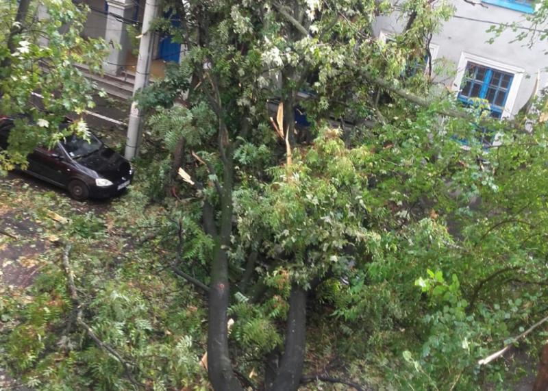 Σφοδρή καταιγίδα έπληξε τη Ρουμανία, τουλάχιστον οκτώ νεκροί (video)