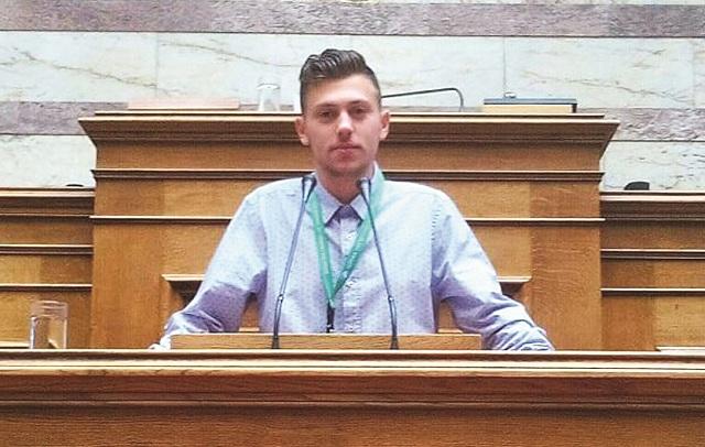 Ο Βολιώτης έφηβος βουλευτής που αιφνιδίασε τον Ν. Βούτση