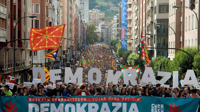 Νέα πορεία στη Μαδρίτη για το δημοψήφισμα στην Καταλονία