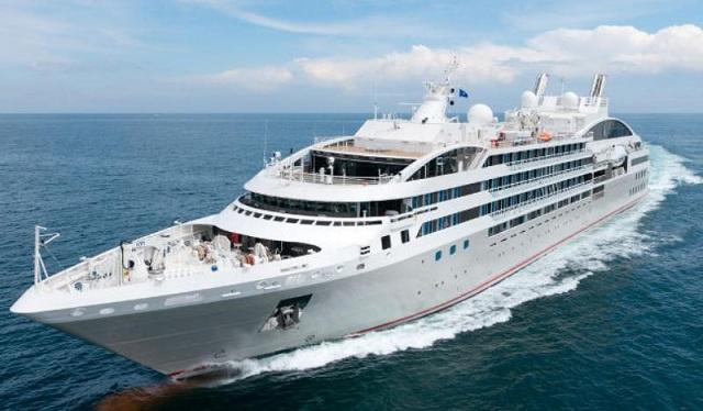 Στο Λιμάνι του Βόλου το κρουαζιερόπλοιο Le Lyrial