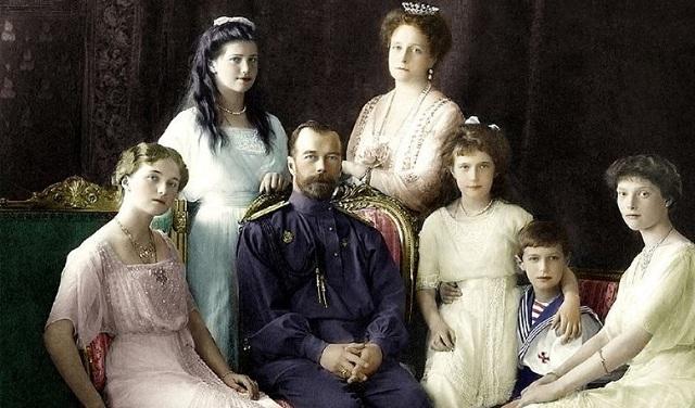 Εκατό χρόνια μετά, επιστολές της οικογένειας Ρομανόφ επιστρέφουν στο μουσείο Τσάρσκογιε Σελό