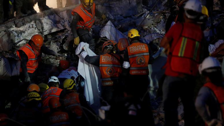 Μεξικό: Μάχη στα ερείπια του σχολείου για να σωθεί κοριτσάκι