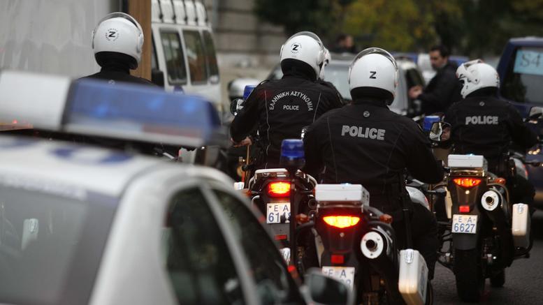 Πυροβολισμοί στην Εθνική Αθηνών -Λαμίας. Καταδίωξη με 20 περιπολικά