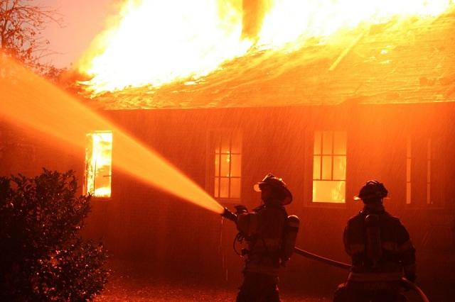 Καταστράφηκε από φωτιά μονοκατοικία κοντά στον Περιφερειακό