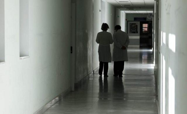 Αλαλούμ με τα εμβόλια για την ιλαρά στην Λάρισα. Έξω φρενών γονείς και γιατροί