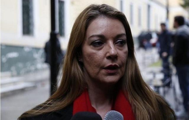 Αγωγή κατά της Ντόρας Μπακογιάννη καταθέτει η σύζυγος του Πάνου Καμμένου