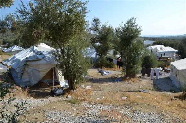 Μπαλάφας: Πλωτά μέσα για τη φιλοξενία προσφύγων