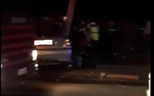 Τροχαίο με εγκλωβισμό οδηγού στην παλιά εθνική Λάρισας -Βόλου [photos]