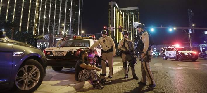 Μαρτυρίες φρίκης από το μακελειό στο Λ. Βέγκας. Τουλάχιστον 10 όπλα είχε ο δράστης