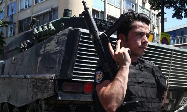 Τουρκία: Εντάλματα σύλληψης για 133 ανθρώπους που εργάζονταν στα Υπ.Οικονομικών και Εργασίας