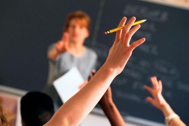Παγκόσμια έρευνα: Από τους πιο κακοπληρωμένους στον κόσμο οι Ελληνες δάσκαλοι