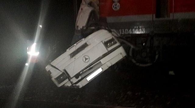 Ρωσία: 19 νεκροί όταν λεωφορείο ακινητοποιήθηκε σε γραμμές τρένου