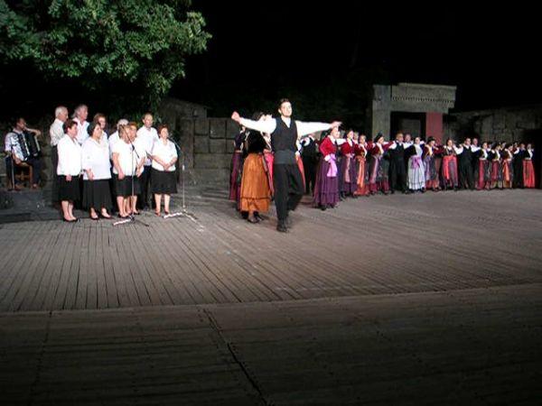 Εντυπωσίασε το χορευτικό στο Θέατρο της «Δόρας Στράτου»