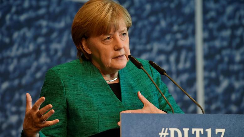 Με «πλαφόν» στους μετανάστες η συμφωνία Mέρκελ-CSU